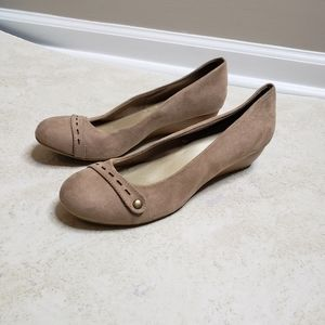 Seychelles Aggie Suede Wedges Tan Size 10